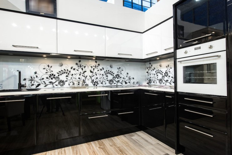 tuxedo-cabinets-monochrome-kitchen